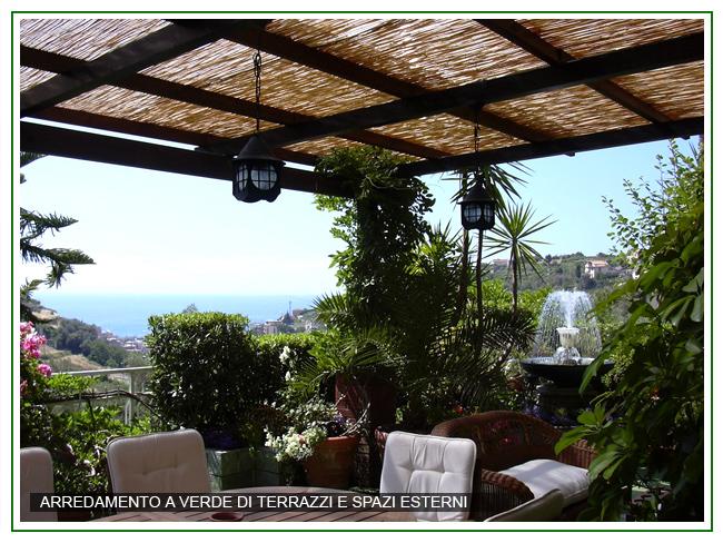 Realizzazione e manutenzione terrazzi e giardini castelli for Accessori per terrazzi e giardini
